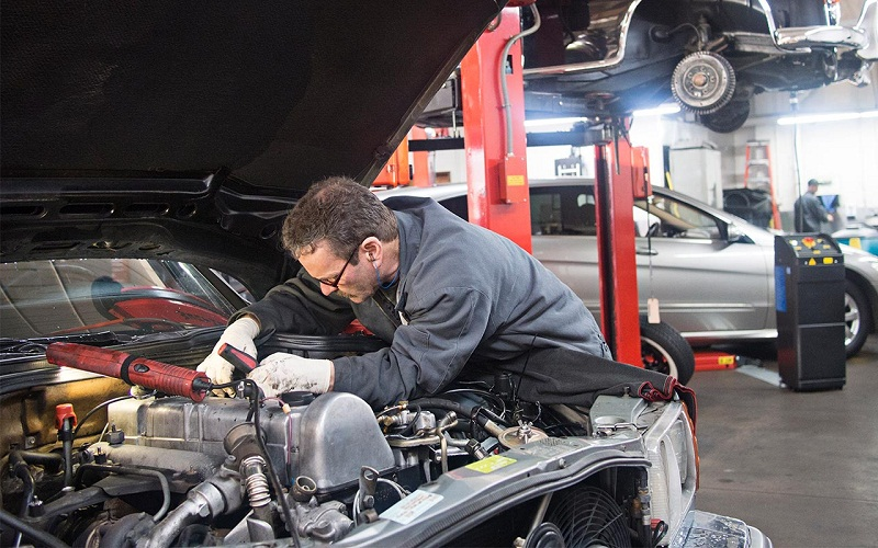 Things a car repair specialist needs to check